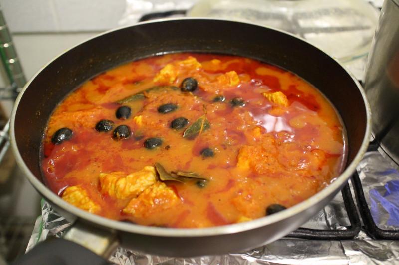 Как приготовить индейку в томатном соусе