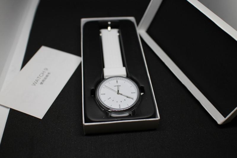 Содержимое упаковки Lenovo Watch 9