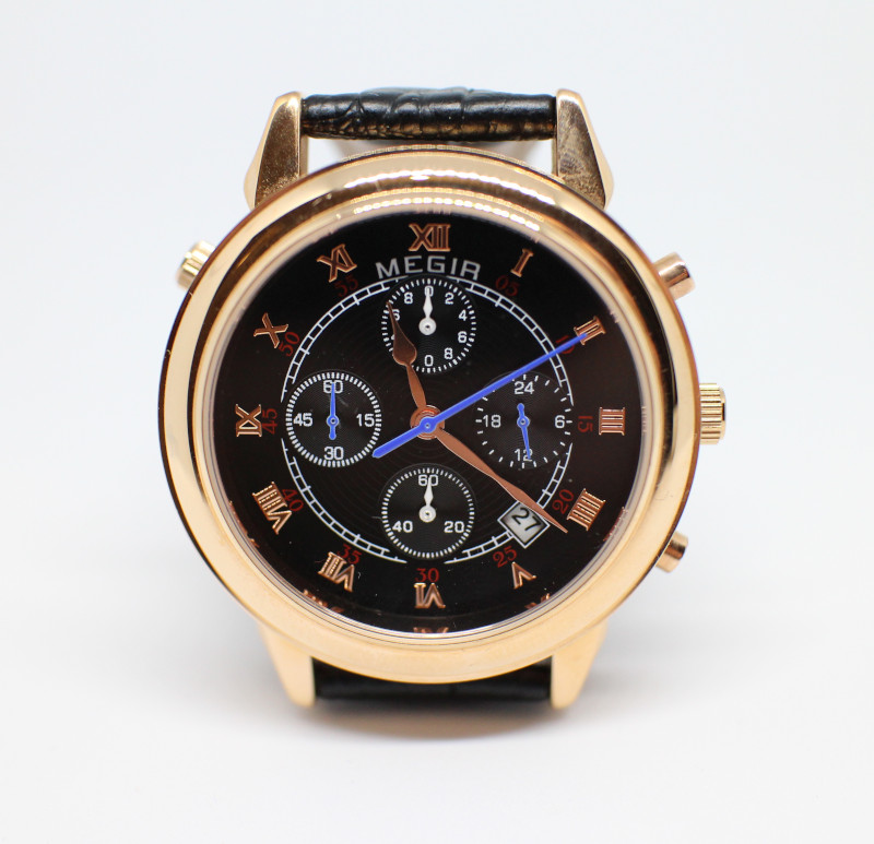 Необычные кварцевые часы с двумя циферблатами. Обзор часов Megir ML2013G